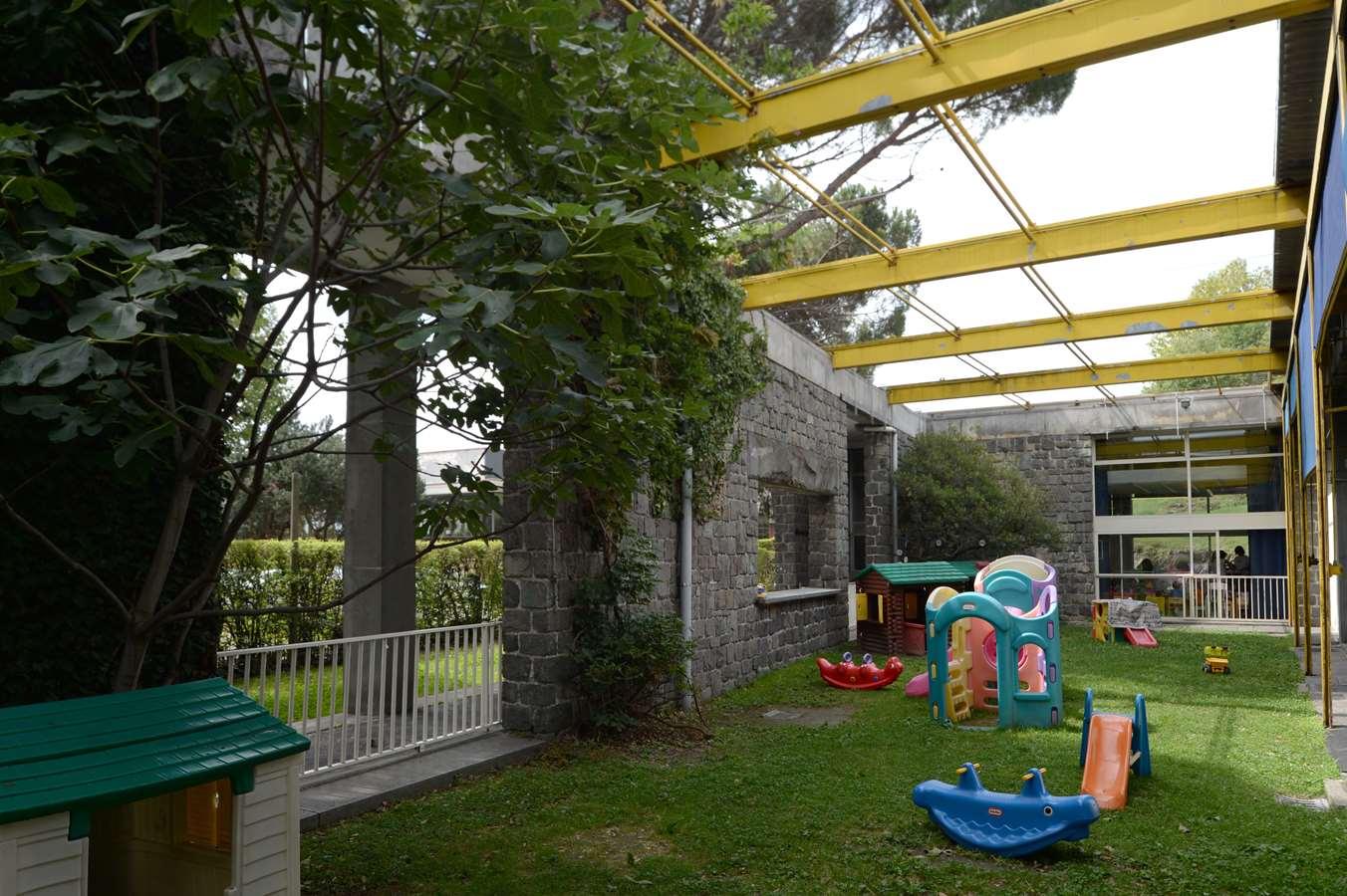 Asilo nido in borgo olivetti for Arredo asilo